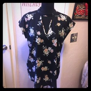 Black floral express short sleeve blouse